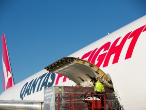 Qantas Freight signs new deal to fly airmail out of China article image