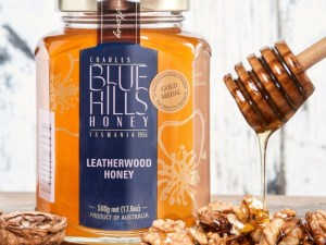Sweet taste of success for Tasmanian honey exporter article image