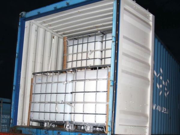 IBC in container with Cordstrap Dunnage Bags and Cordstrap Lashing