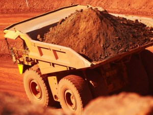 Iron ore price slump to hit Australia's export earnings article image