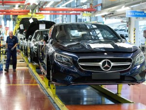 German exports hit record-high in 2016 as growth weakens article image