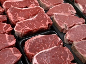 China lifts ban on Australian beef article image